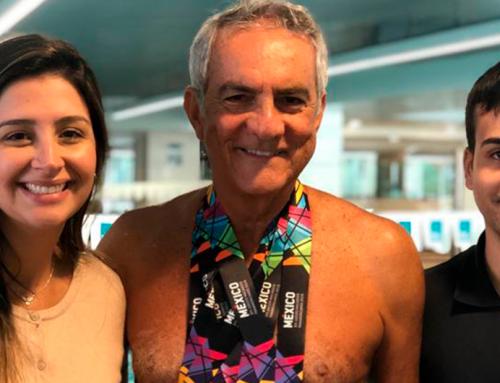 Cliente se supera em provas de natação aos 70 anos