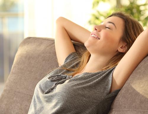 Benefícios de tirar meia hora de sono pós-almoço