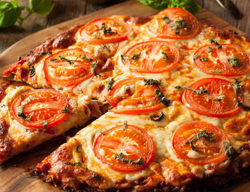 Receita de pizza de couve-flor com tomate seco